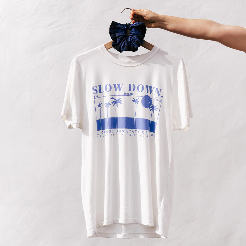 SLOW DOWN T-SHIRT ELECTRIC SKY BLUE
