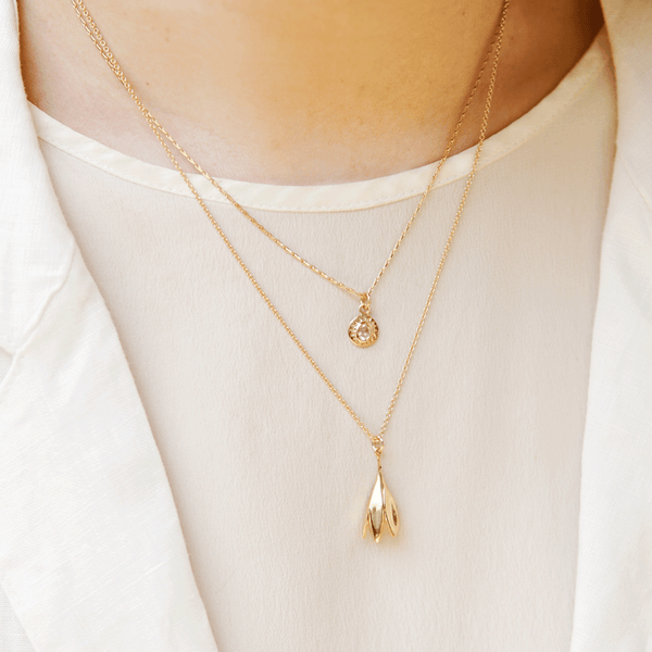 SMALL HONEYSUCKLE NECKLACE