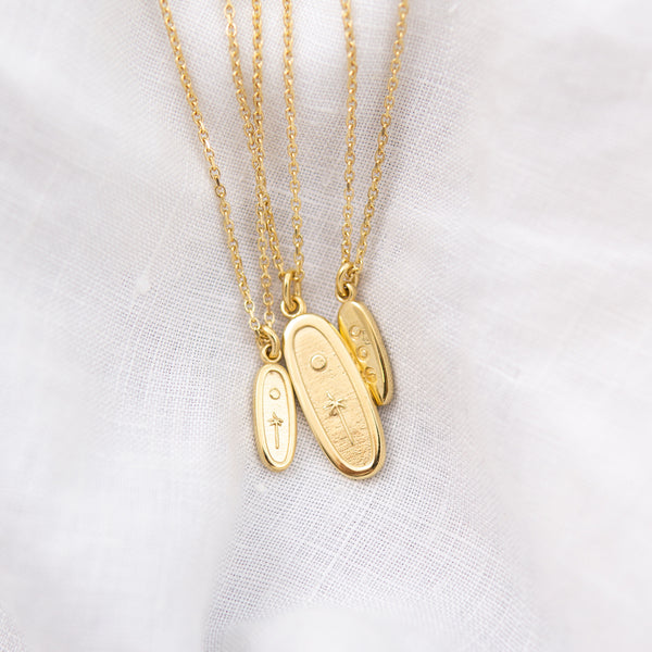 MEET-ME-UNDER-THE-MOON-MINI-GOLD-PENDANT-CABINET-JEWELLERY