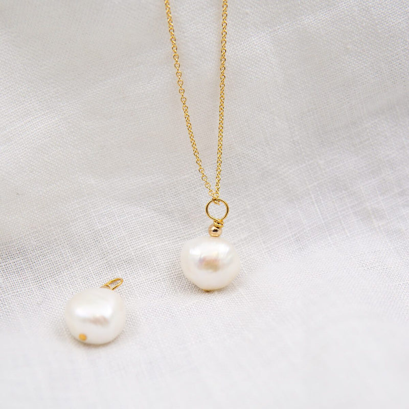 MOLLY NATURAL PEARL DROP NECKLACE