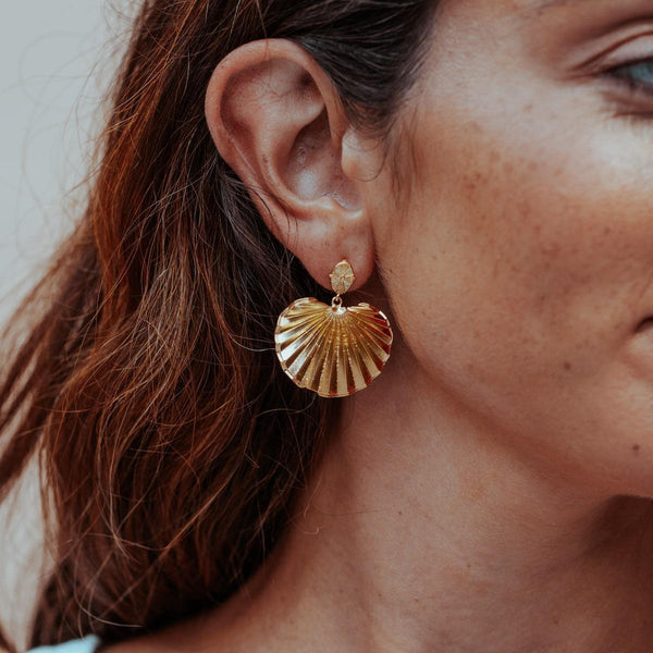 PALM-HEIGHTS-GOLD-STATEMENT-EARRINGS-CABINET-JEWELLERY