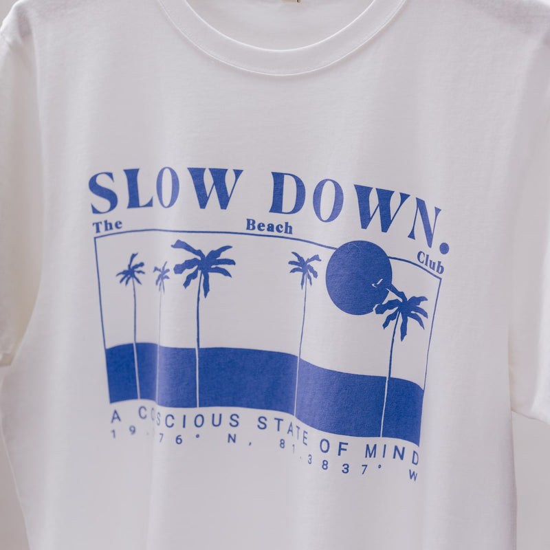 SLOW-DOWN-T-SHIRT-BLUE-CABINET-JEWELLERY