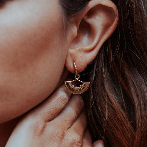 SMALL-FAN-EARRINGS-VIPER-TOP-CABINET-JEWELLERY