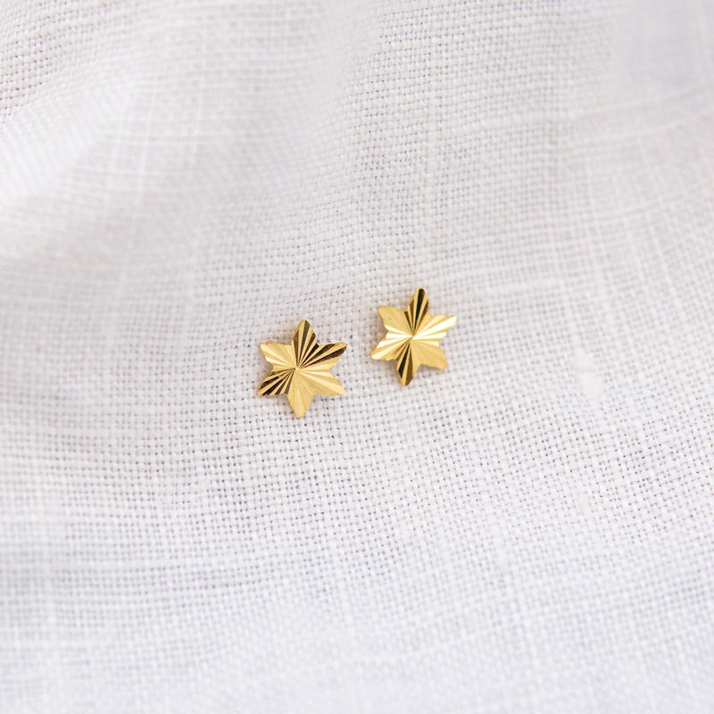 STRATOSPHERE FACETED STAR STUD