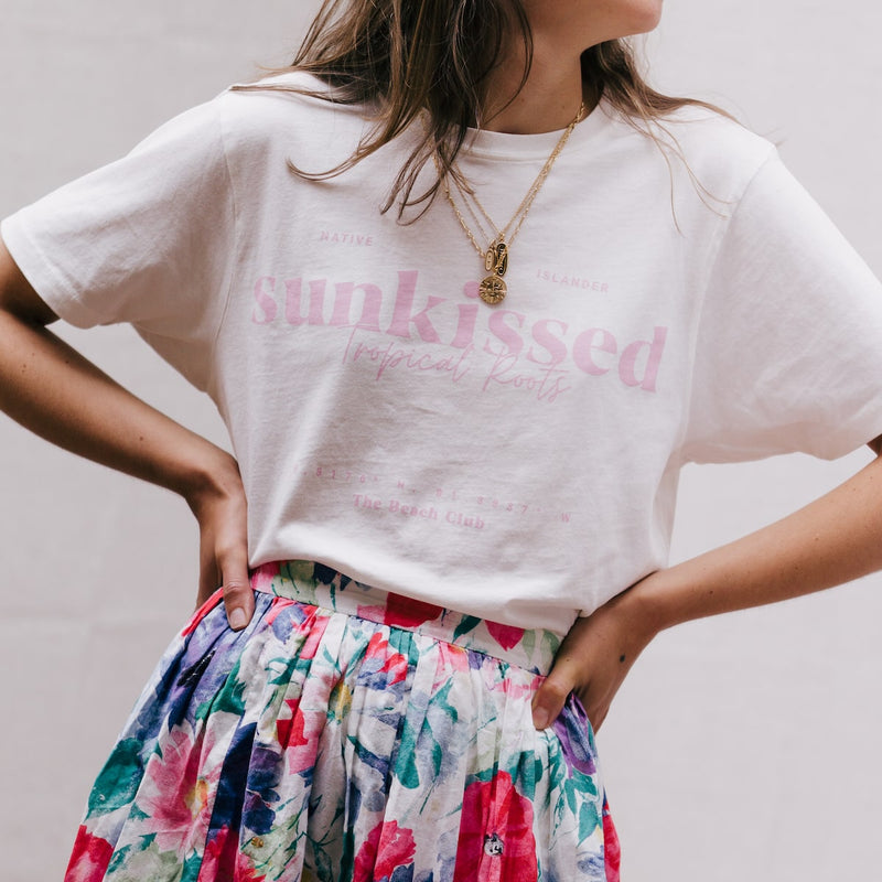 SUNKISSED-T-SHIRT-CABINET-JEWELLERY