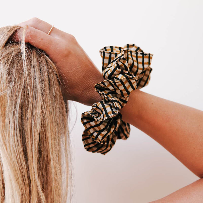 THE-MUSTARD-CHECK-SCRUNCHIE-CABINET-JEWELLERY