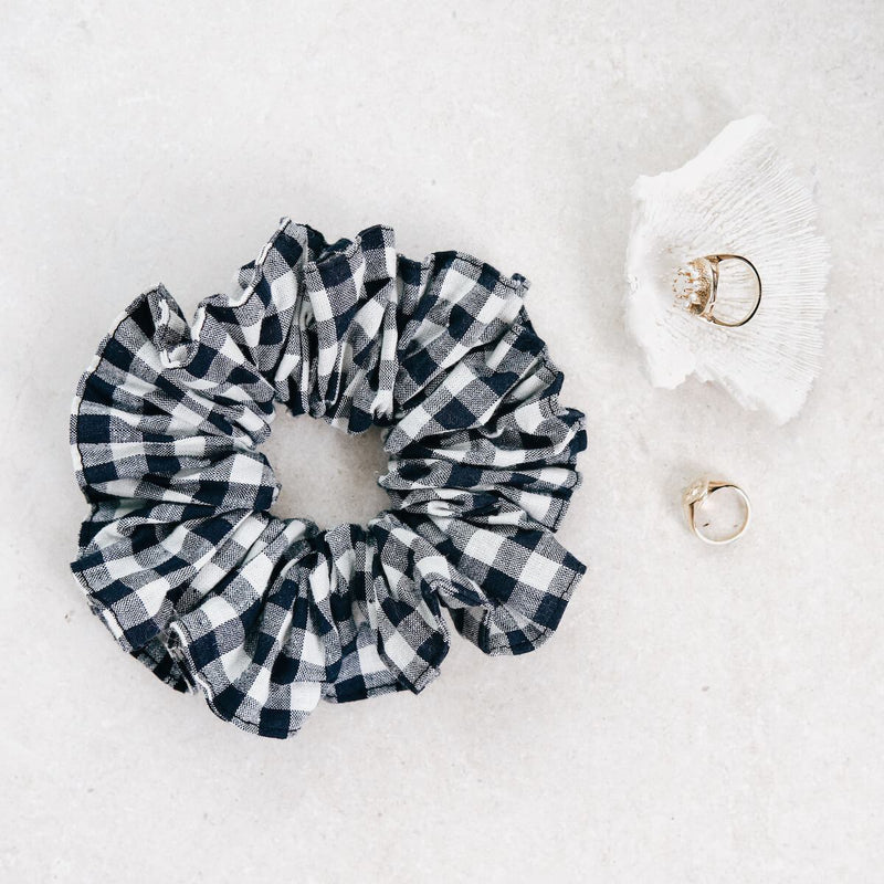 THE-ORIGINAL-GINGHAM-SCRUNCHIE-CABINET-JEWELLERY