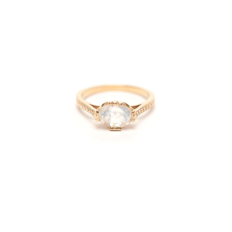 PLANTATION BEETLE RING MOONSTONE