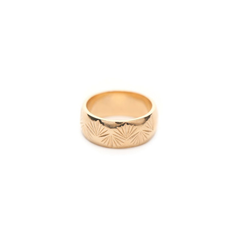 THATCHED PALM RING