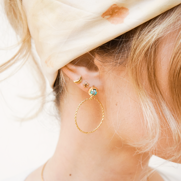 FLAT CRESCENT MOON STUD EARRING SINGLE