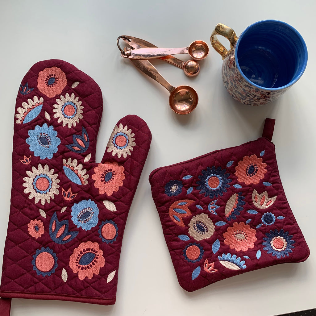 Floral Oven Mit Set | Burgandy Blues