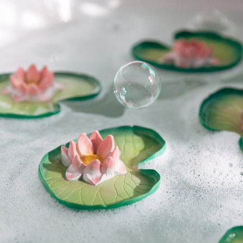 100% natural rubber bath / chew toy: Water Lily - jiminy eco-toys