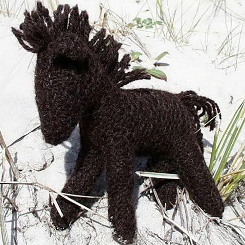 Craft kit: knit a black horse with organic plant-dyed wool - jiminy eco-toys