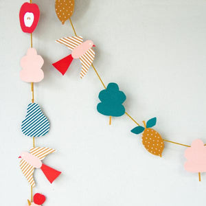 DIY paper garland: 'Sheep' - jiminy eco-toys