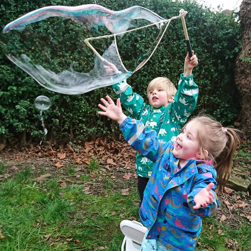 Make Giant Bubbles! My First Giant Eco-Bubble Kit - jiminy eco-toys