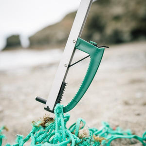 Recycled ocean plastic litter picker - jiminy eco-toys