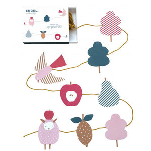 Paper garland: 'Sheep'