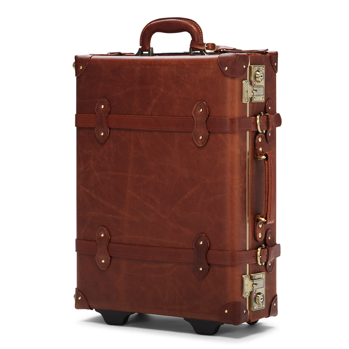 The Pioneer Carryon - Vintage Style leather suitcase - Exterior Front\