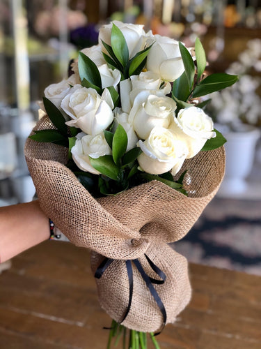 ROSES IN BURLAP (SELECT A COLOUR)