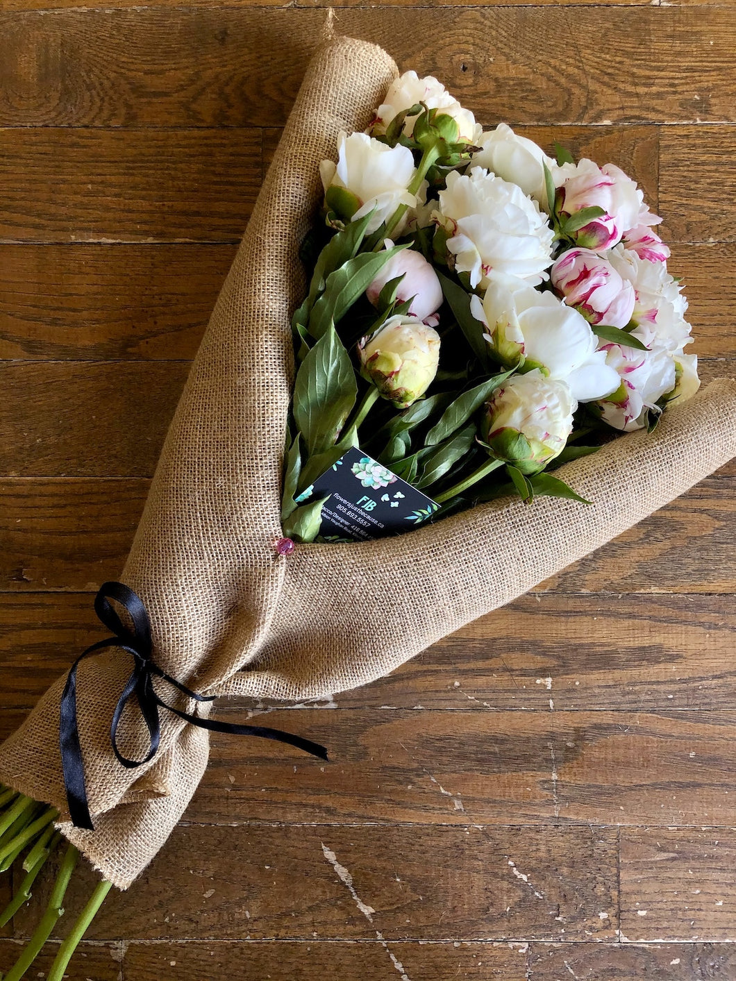 PEONIES IN BURLAP (SELECT A COLOUR)
