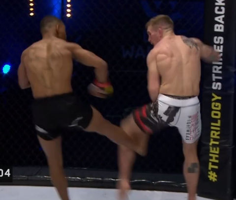 Morgan Charrière vs Perry Goodwin CW 119 Combo 3 kicks