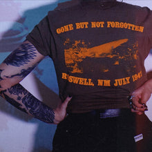 Load image into Gallery viewer, ROSWELL '47 pocket tee - Discount Cemetery