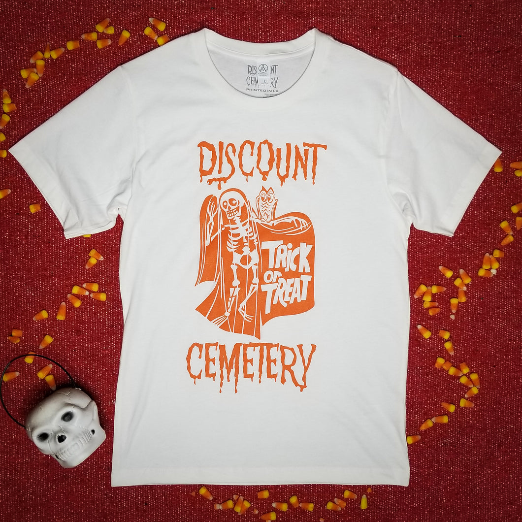 TRICK OR TREAT white - Discount Cemetery