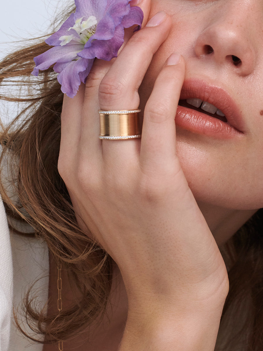 Brushed Rose Gold Tube Ring with Diamonds