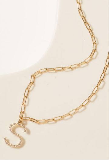 Diamond letter on wide link chain - Yellow gold