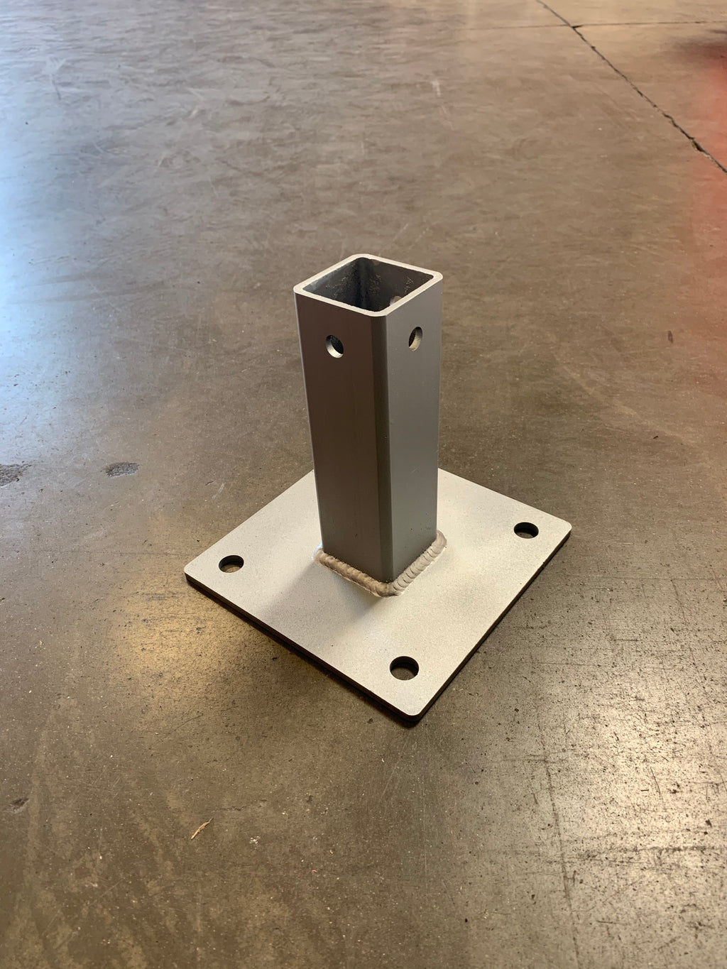 SQUARE POST SURFACE MOUNT BASE