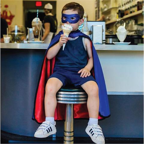 Easy ideas to throw a fun superhero birthday party for your little one!