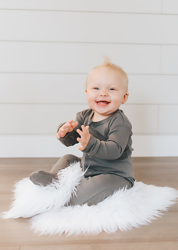 L'ovedbaby | Organic Footed Overall - Gray