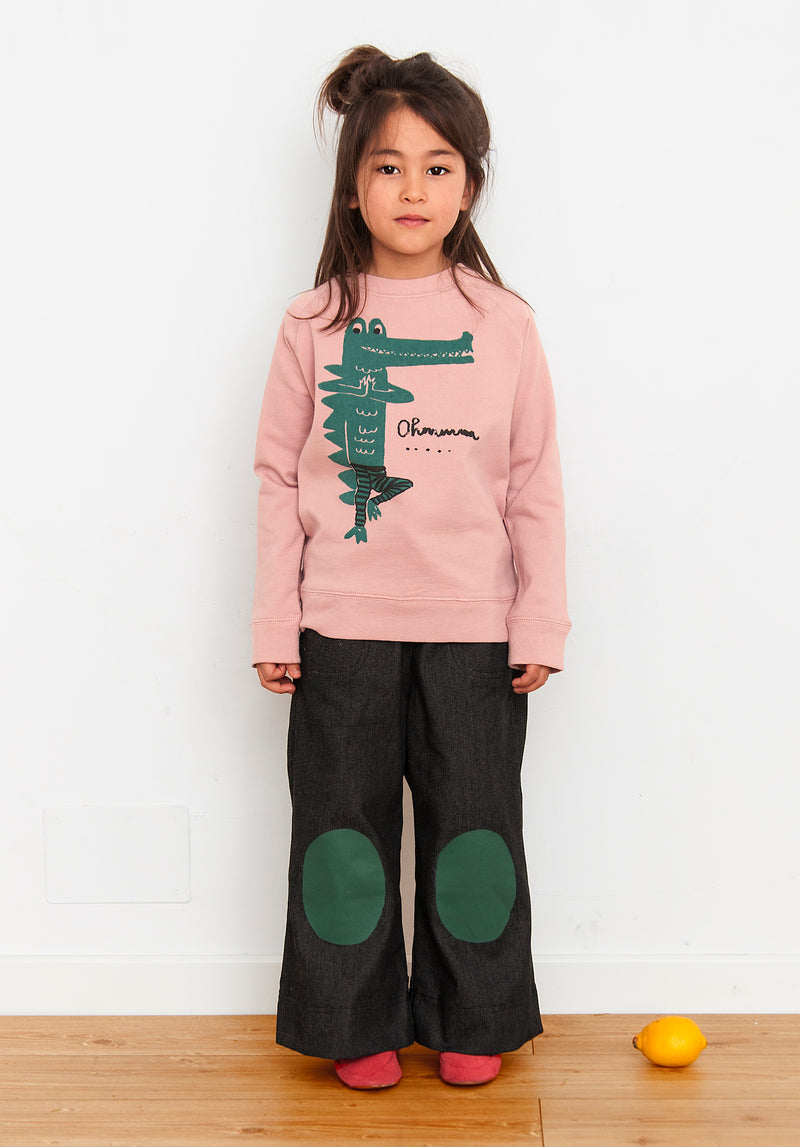 Nadadelazos - Yoga Crocodile Sweatshirt - Seedling & Co.