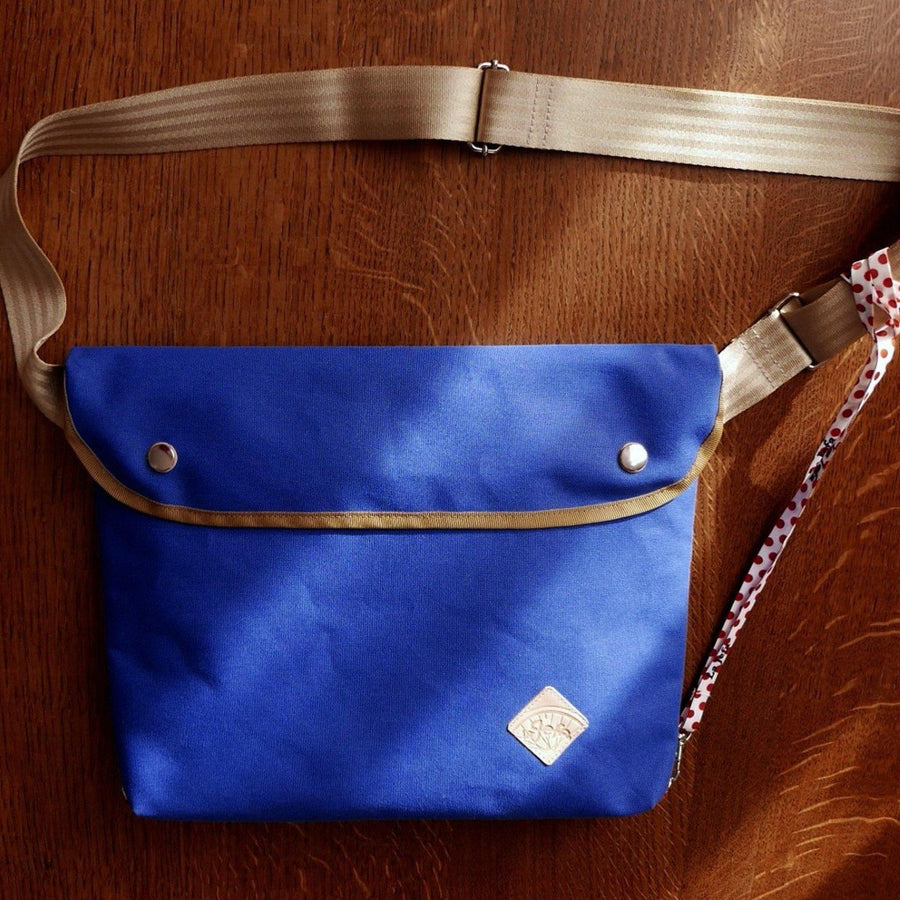 Bukowski in royal blue shoulder bag - La Jefa and sons
