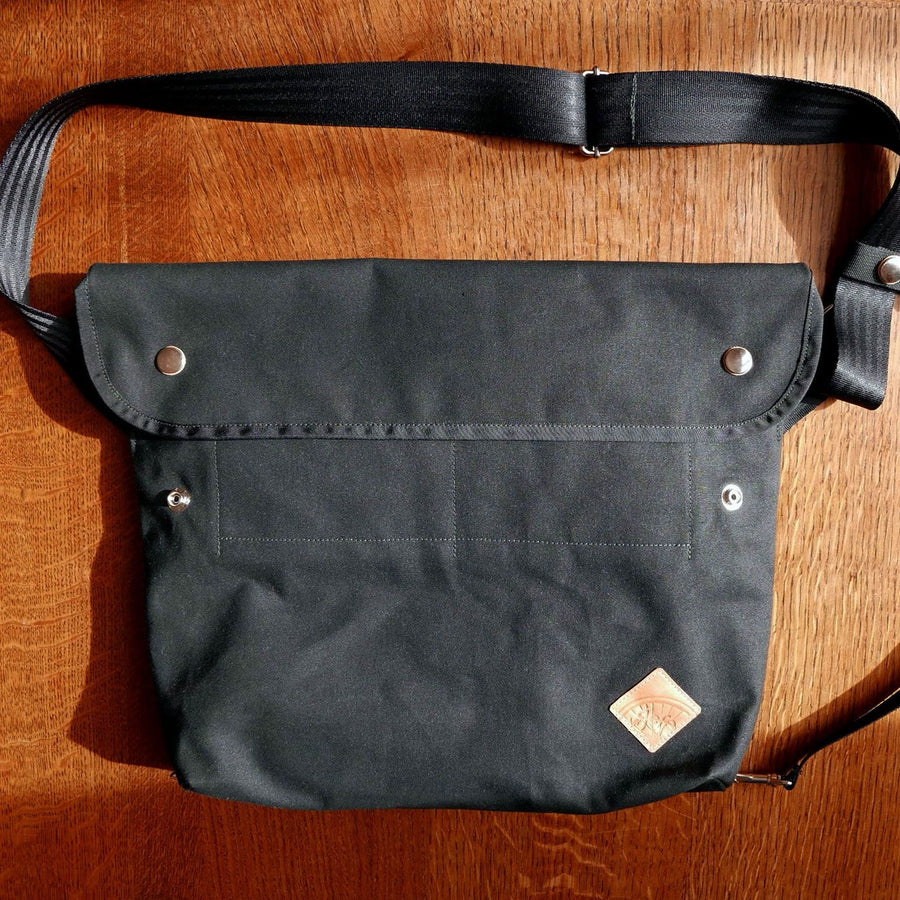 Bukowski XL in black shoulder bag - La Jefa and sons
