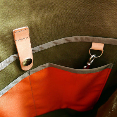 Bukowski XL in olive green with golden strap shoulder bag - La Jefa and sons
