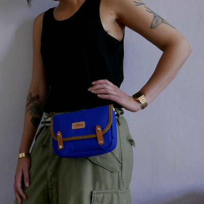 Corporal in royal blue handlebar bag - La Jefa and sons