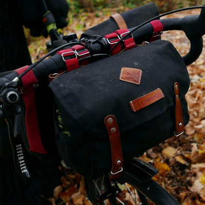Gooralka in black handlebar bag - La Jefa and sons