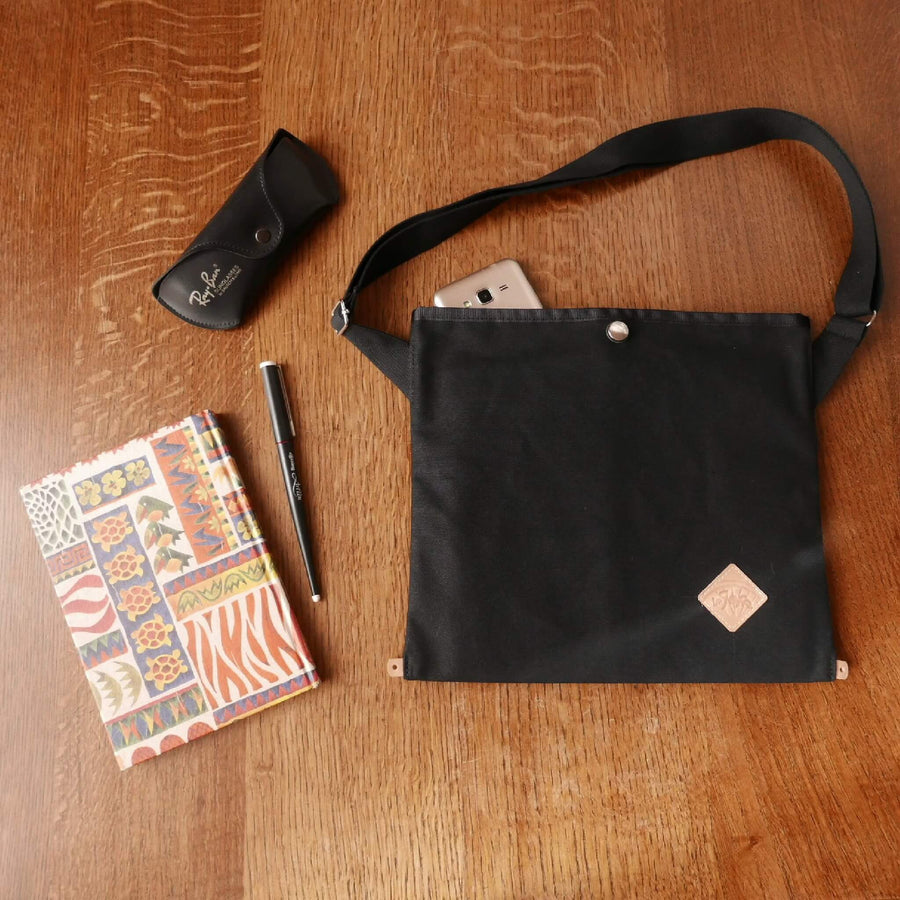 Musette in black
