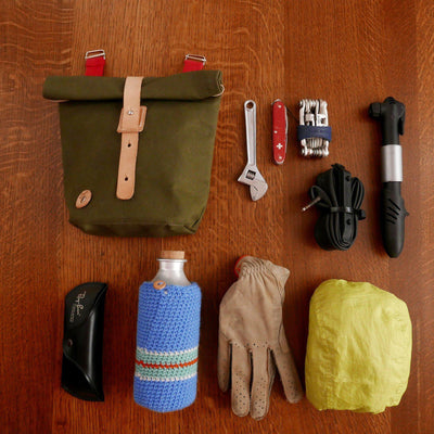 Sergeant in olive green handlebar bag - La Jefa and sons