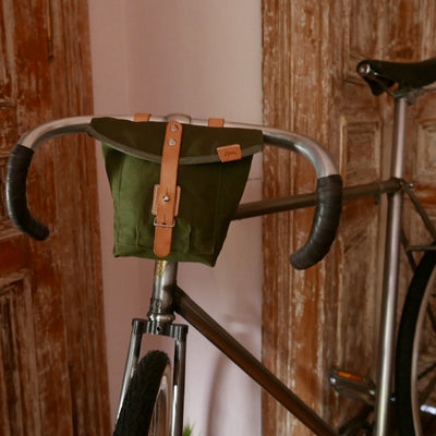 J-23 in olive green handlebar bag - La Jefa and sons
