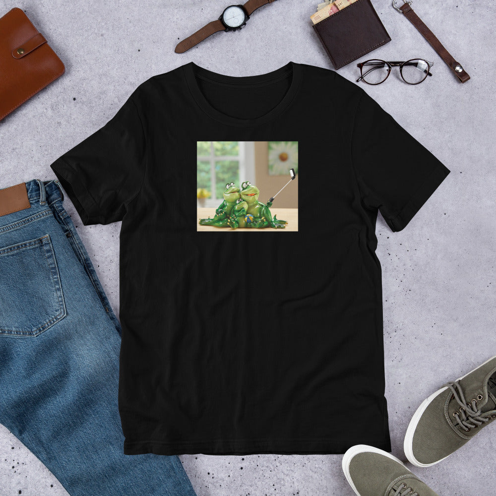 Froggy Family Selfie Short-Sleeve Unisex T-Shirt / Created by Byran Ameigh