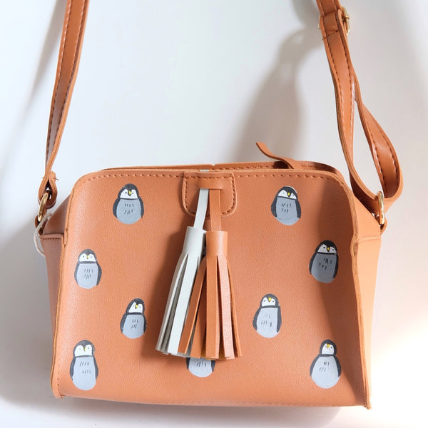 Penguin box tassel bag