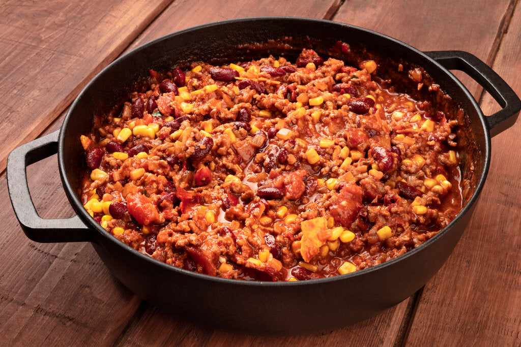 Dutch Oven Chili Con Carne: A Meaty, Spicy Recipe