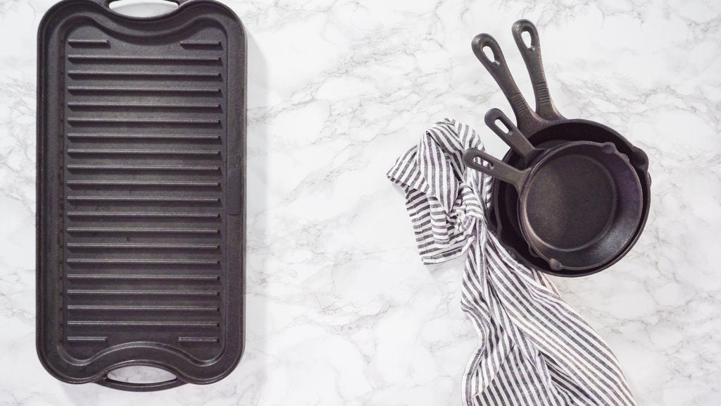 Griddle Vs. Skillet: EVERYTHING You Need to Know