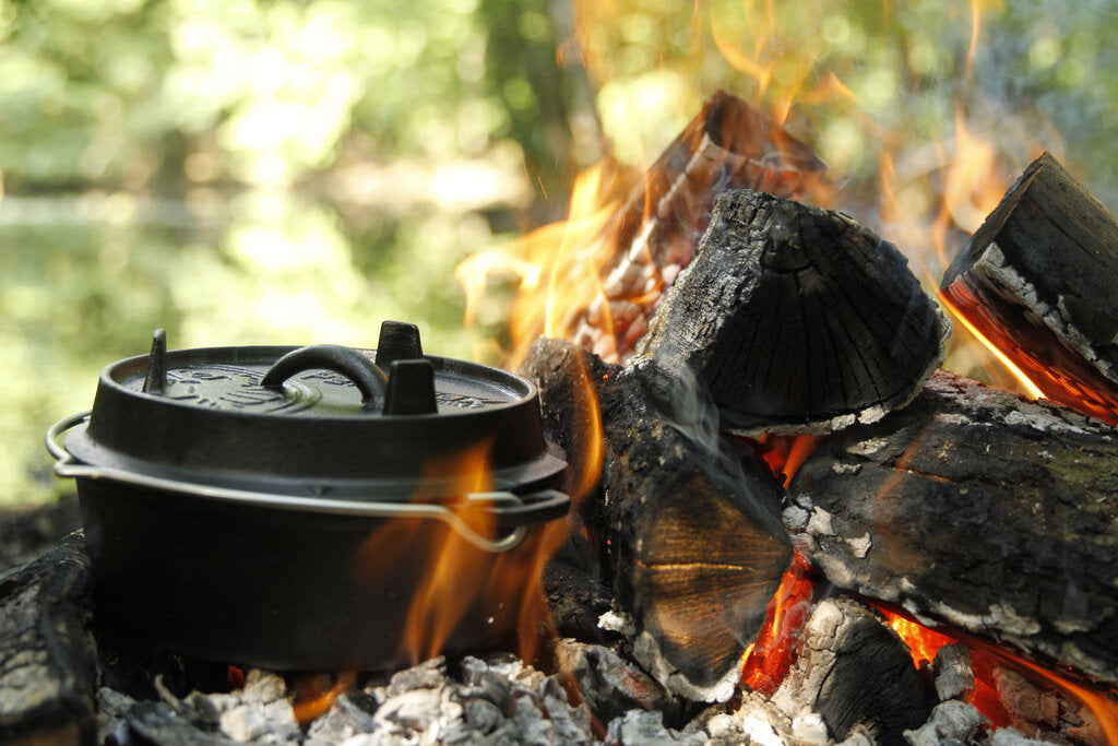Dutch Oven Temperature Guide: Campfire Cooking Made Easy