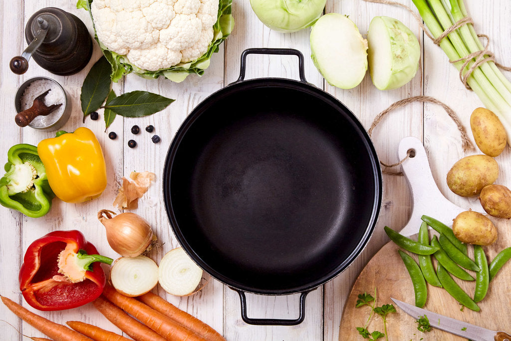 Dutch Oven vs Stock Pot - What's the Difference Between Them?