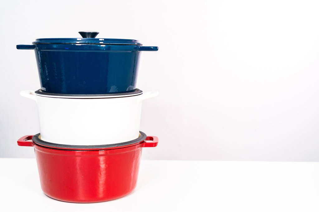 Dutch Oven Sizes - Picking the Right One for Your Kitchen