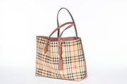 Burberry Reversible Haymarket Tote in Purple Light Elderberry