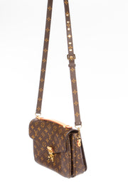 Louis Vuitton Pochette Metis Handbag with Monogram Canvas